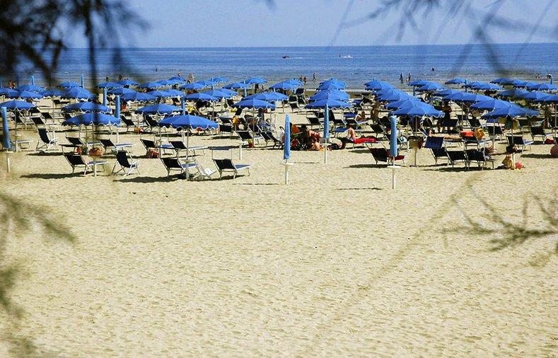 Пляж Острова Албарелла
